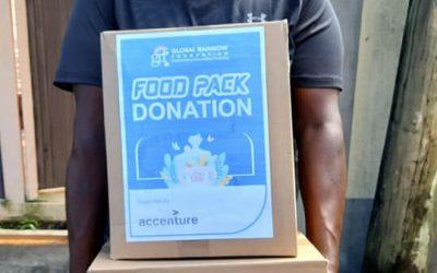 J-4 : Distribution de foodpacks par la  Global Rainbow Foundation