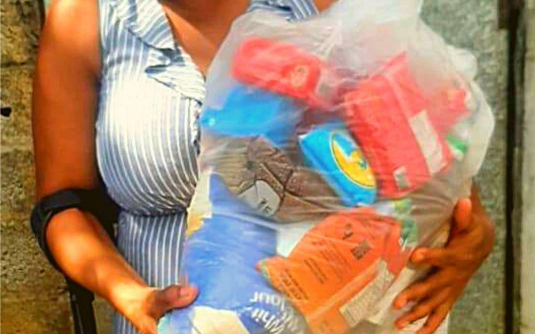 La Global Rainbow Foundation remercie chaleureusement Seskel Enterprises Ltd Esko & Co. Ltd Innodis et K.L. Chung Marketing Ltd pour leurs dons dans le cadre de nos opérations de distribution de sacs alimentaires